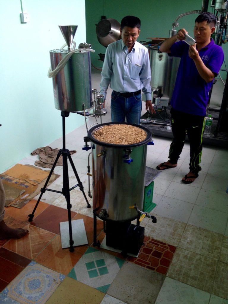 Distilling agarwood